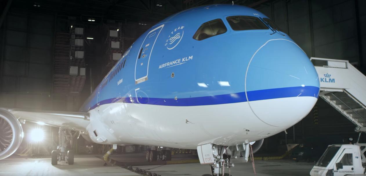 KLM Dreamliner unboxing